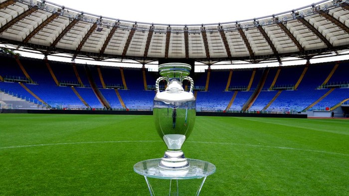 ROME, ITALY - APRIL 20:  A general view of the UEFA Euro 2020 Trophy at Stadio Olimpico during the UEFA Euro 2020 Trophy Tour of Rome on April 20, 2021 in Rome, Italy.  (Photo by Paolo Bruno/Getty Images)