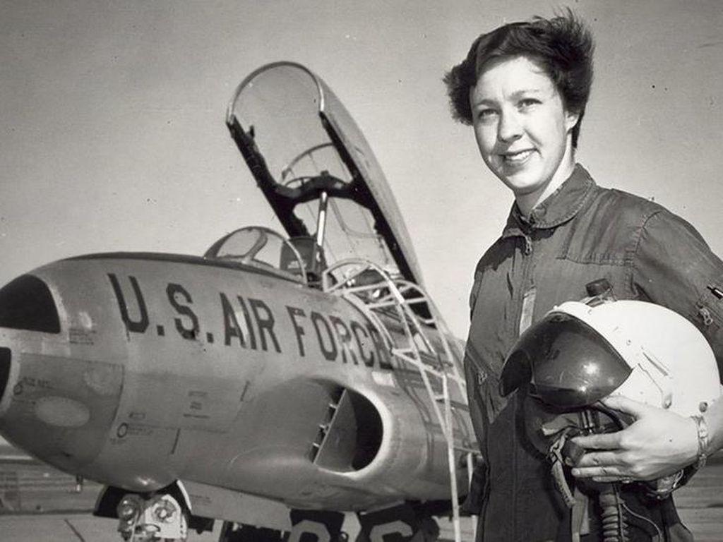 Kisah Astronaut Perempuan Menunggu 60 Tahun untuk Pergi ke Luar Angkasa