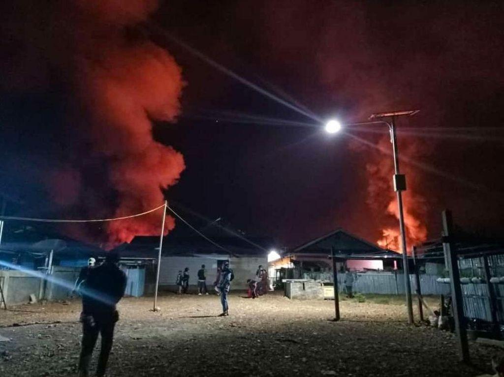 Kronologi OTK Serang Paskhas AU, Bakar 13 Rumah-19 Kios di Dogiyai Papua