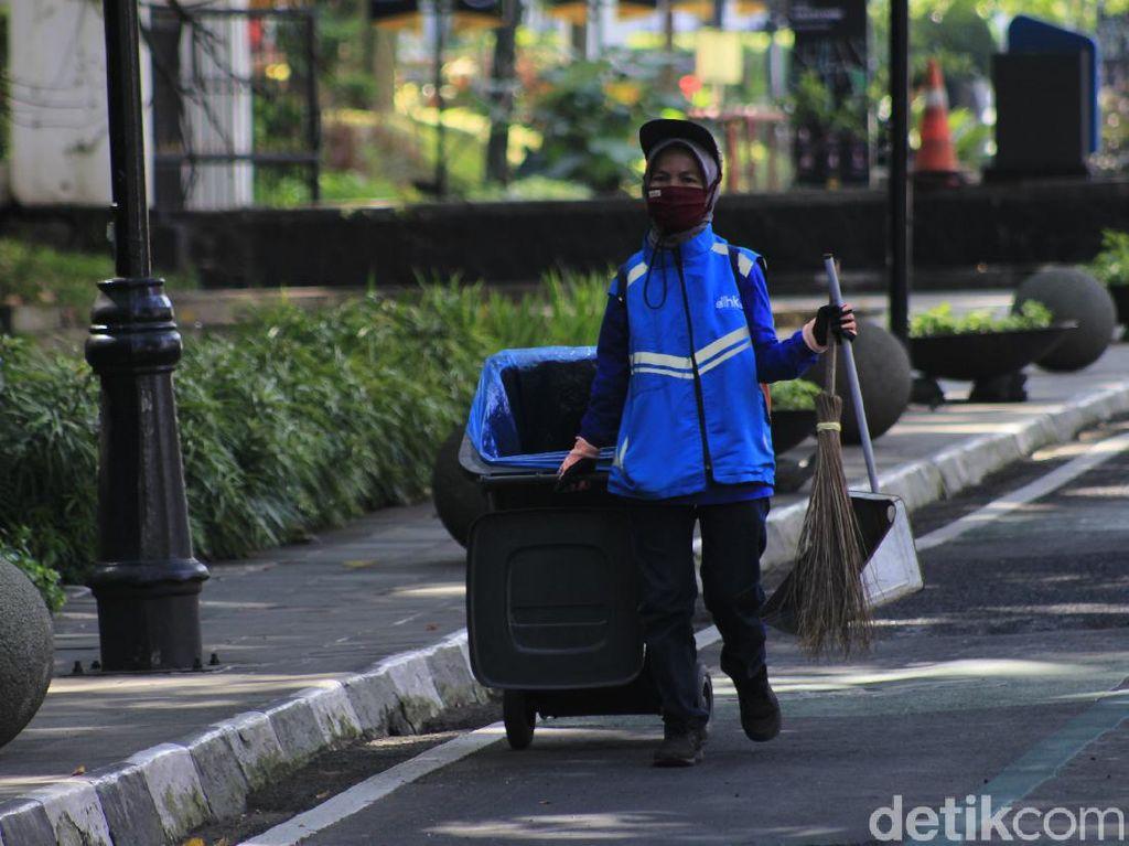 Cerita Warga Bandung Saat Bekerja di Masa PPKM Darurat