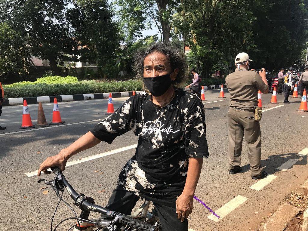 Cerita Pesepeda Tak Kena Penyekatan di Pos PPKM Darurat Lenteng Agung