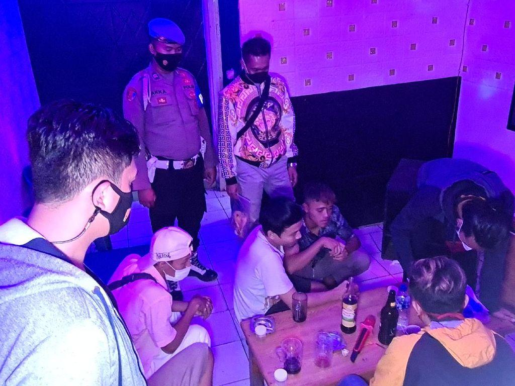 Tempat Karaoke di Palabuhanratu Digerebek Gegara Langgar PPKM Darurat