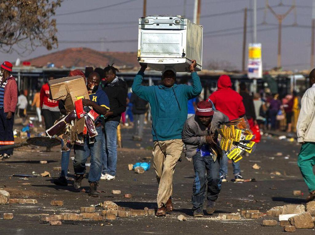 Korban Tewas Akibat Kerusuhan di Afrika Selatan Jadi 337 Orang