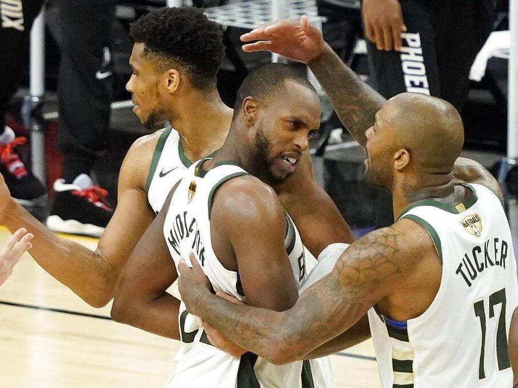 Final NBA 2021: Bucks Menang 123-119, Comeback atas Suns di Game 5