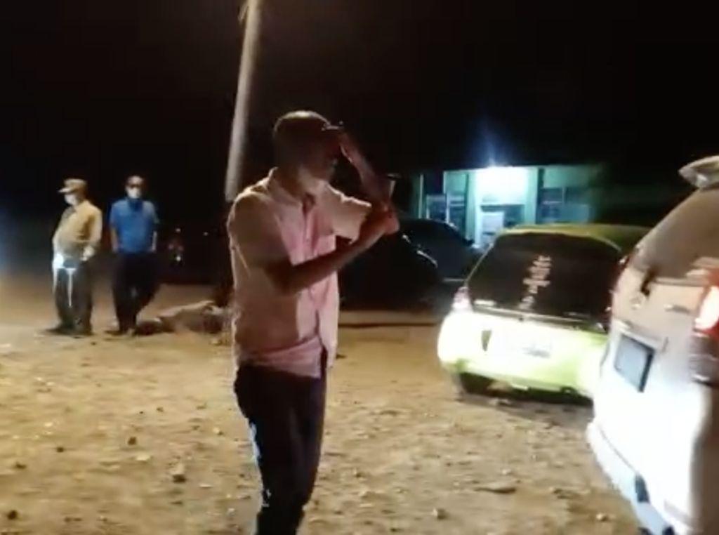 Geger Pria Ngaku Mata Ditusuk Pena di Penyekatan Padang-Solok