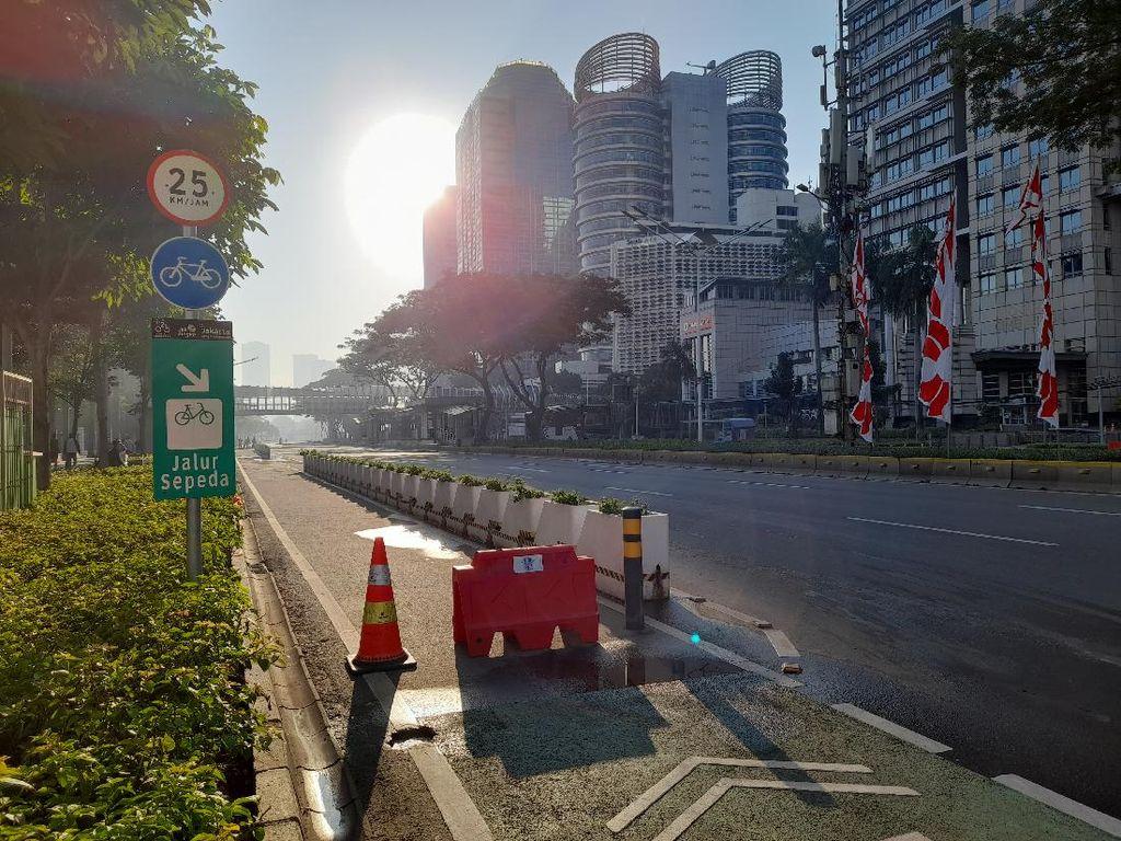 PPKM Darurat, Jalan Sudirman Jakarta Lengang-Sepi Pesepeda Pagi Ini