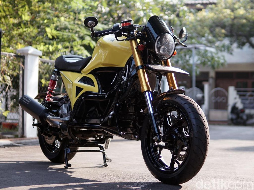 Bikin Pangling! Modifikasi Motor Yamaha XMAX 250 ala Moge Cafe Racer