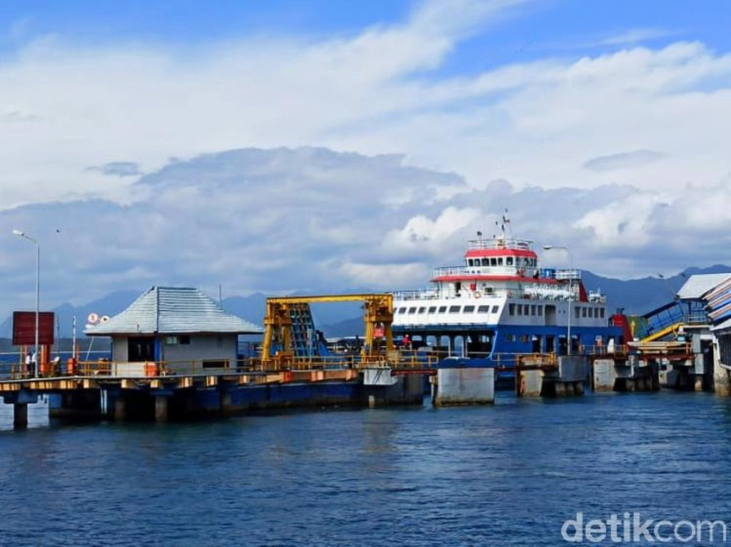 Penumpang Kapal di Pelabuhan Ketapang Turun Drastis Selama PPKM Darurat