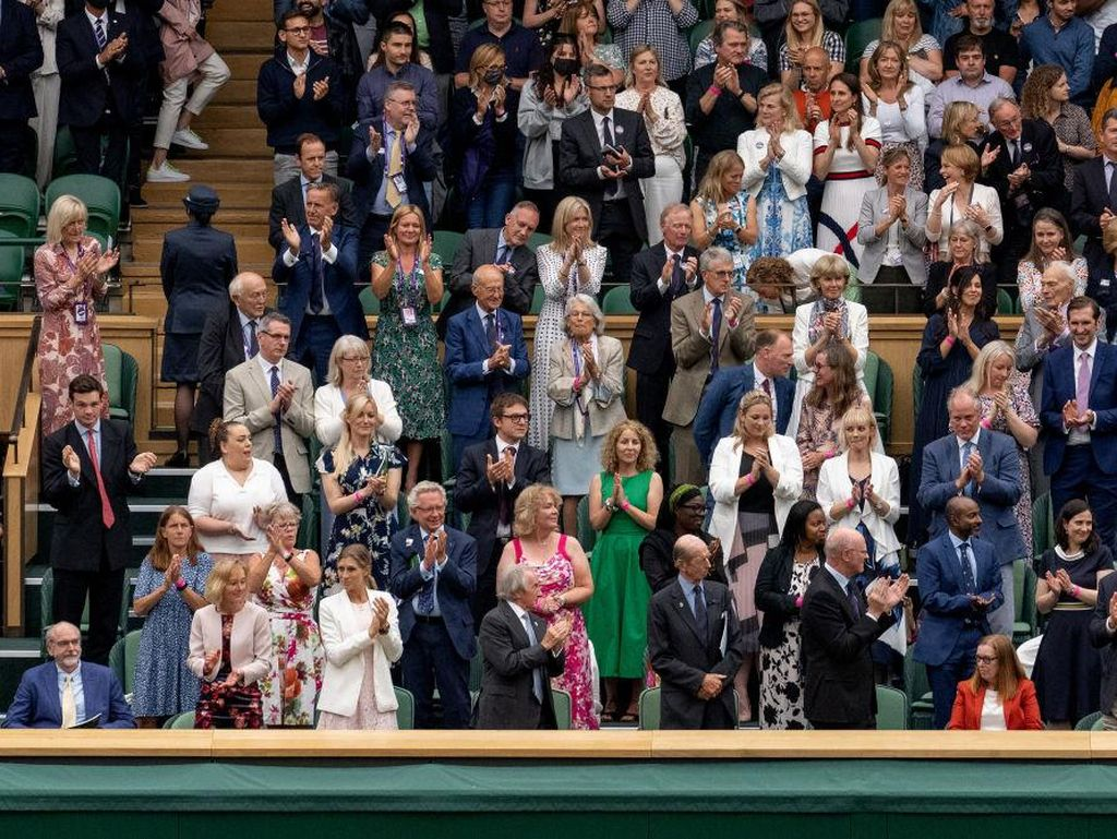 Sarah Gilbert, Peneliti Vaksin yang Dapat Standing Applause di Wimbledon