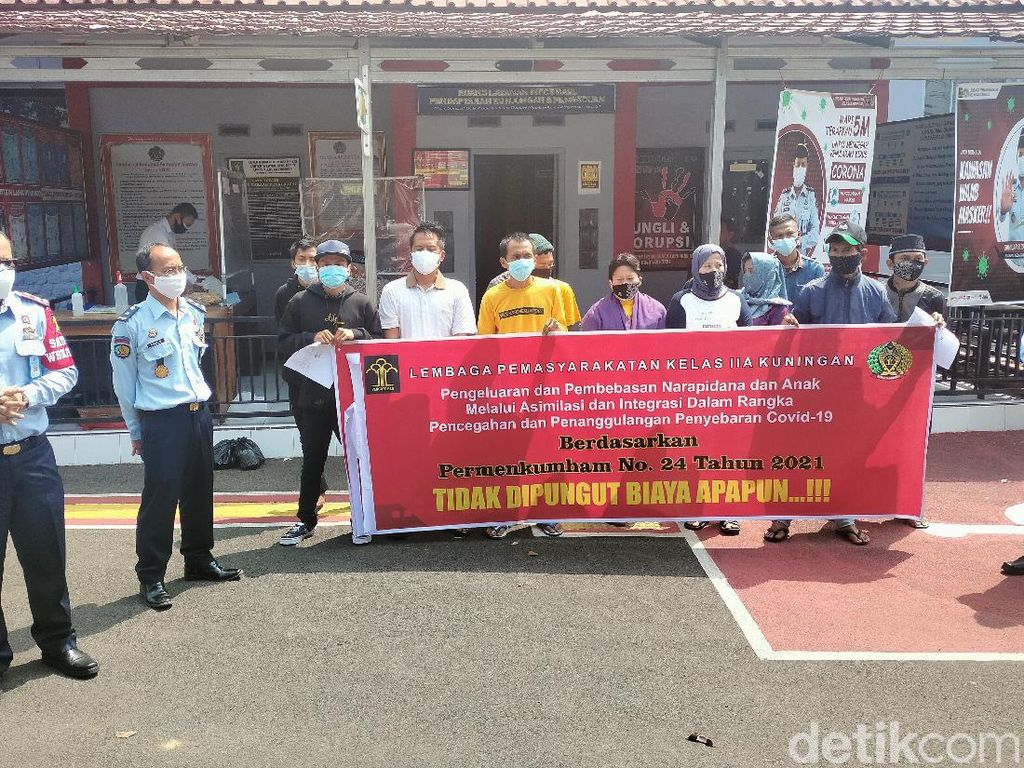 Sehari Jelang Idul Adha, 11 Warga Binaan Lapas Kuningan Dibebaskan