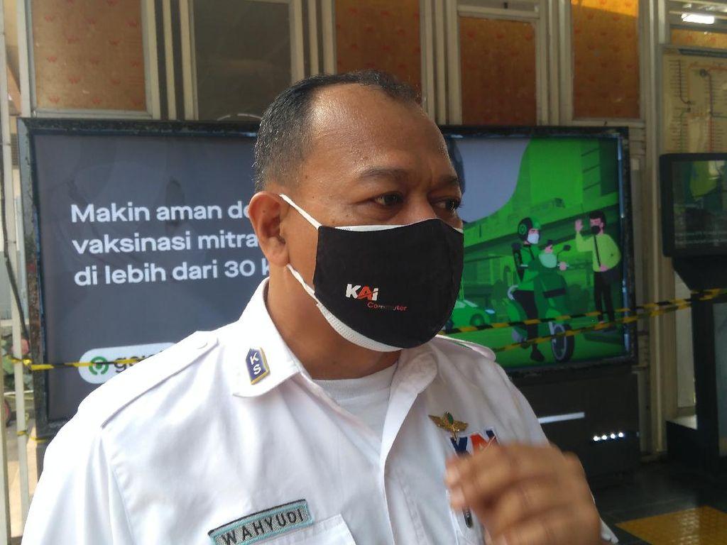STRP Berlaku, Pengguna KRL di Stasiun Pondok Ranji Turun Drastis