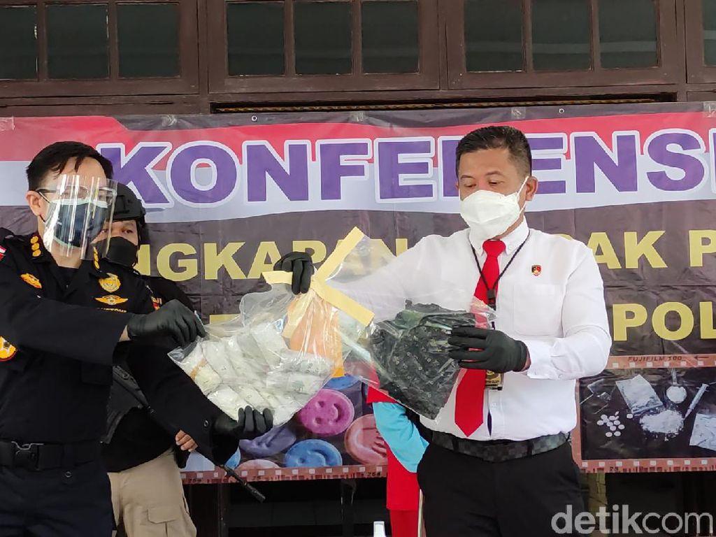 Polda Jateng Bongkar Penyelundupan 1 Kg Sabu Senilai Rp 1,3 M dari Malaysia
