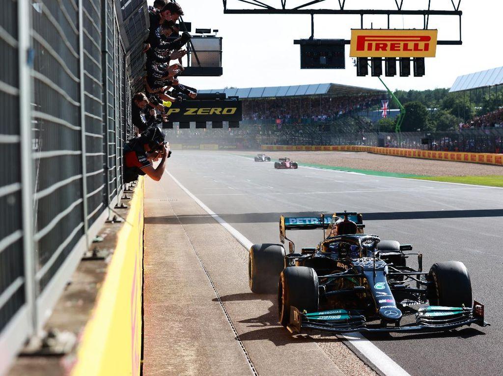 Hasil F1 GP Inggris 2021: Verstappen Crash, Hamilton Juara!