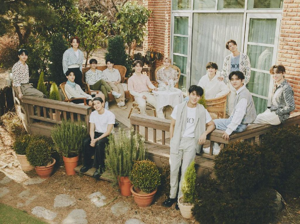 Semua Member SEVENTEEN Perpanjang Kontrak dengan Pledis Entertainment