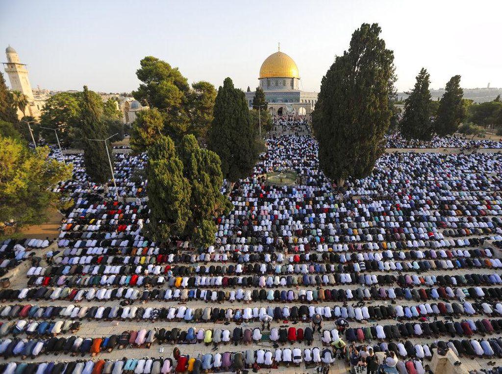 Khidmatnya Pelaksanaan Salat Idul Adha di Turki hingga Palestina