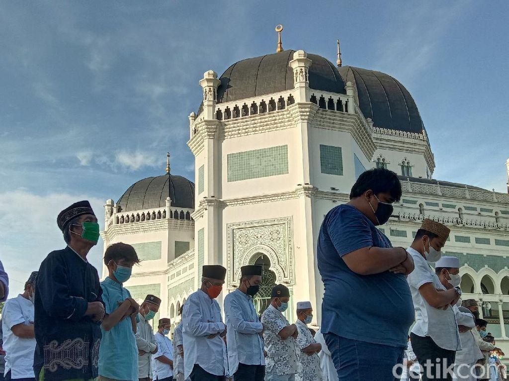 Begini Suasana Salat Idul Adha di Masjid Raya Medan Saat PPKM Darurat