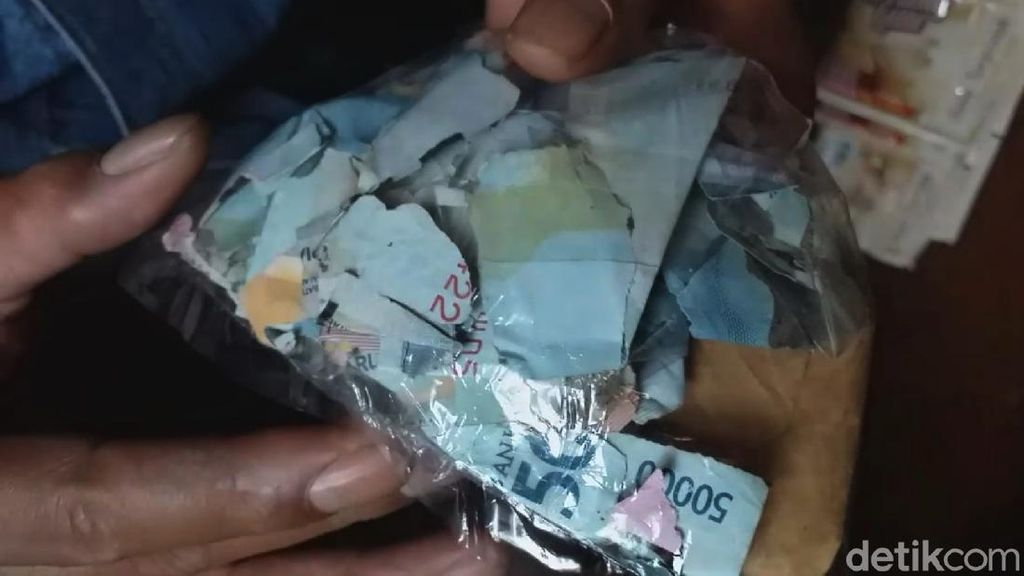 Niat Kurban Idul Adha, Uang Pedagang di Garut Ini Malah Dimakan Rayap