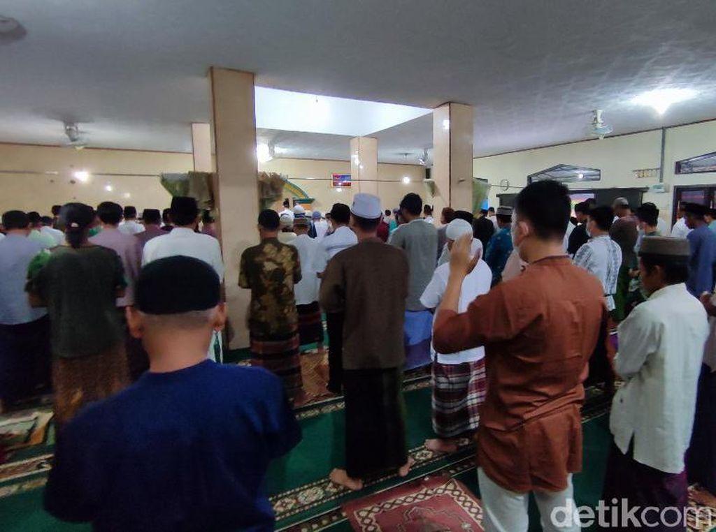 Antusiasme Warga di Ciamis Salat Idul Adha Berjamaah saat PPKM Darurat