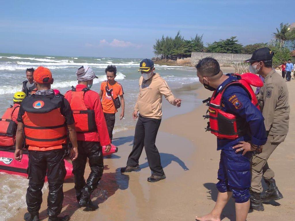 Seorang Santri Terseret Ombak Laut Utara Tuban Saat Cuci Jeroan Sapi Kurban