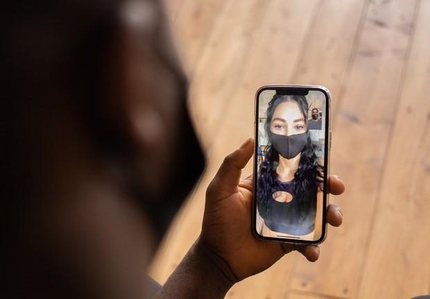 teknologi saat ini semakin memudahkan kita untuk bertemu virtual lebih intens dengan menggunakan video call/Pexels.com/Monstera