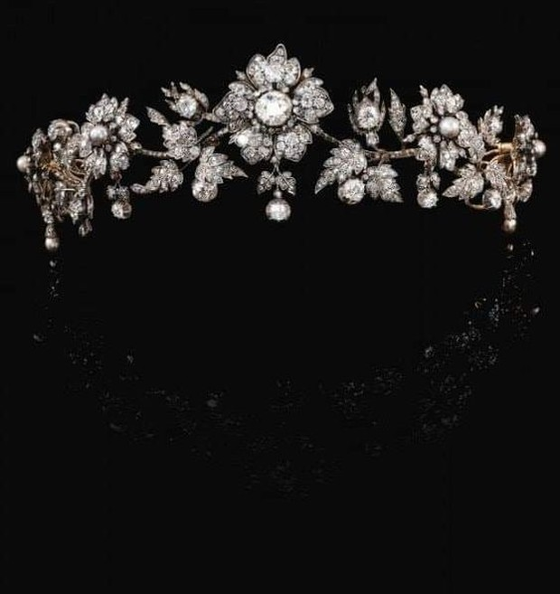 The Mellerio Floral Tiara