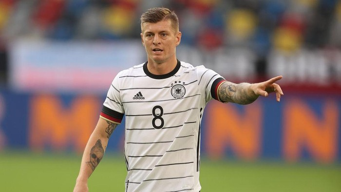 DUESSELDORF, GERMANY - JUNE 07: Toni Kroos of Germany reacts during the international friendly match between Germany and Latvia at Merkur Spiel-Arena on June 07, 2021 in Duesseldorf, Germany. (Photo by Lars Baron/Getty Images)