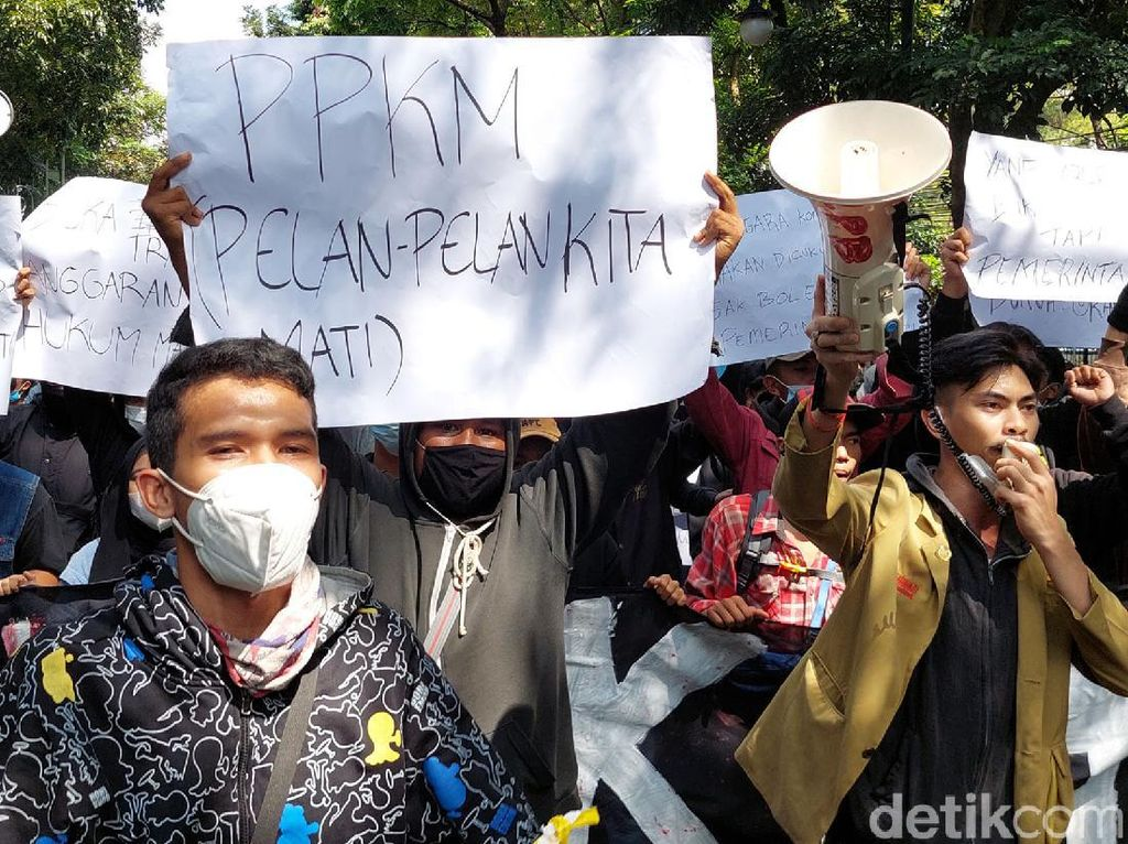 Polisi Usut Provokator di Medsos Saat Demo Ricuh Tolak PPKM di Bandung