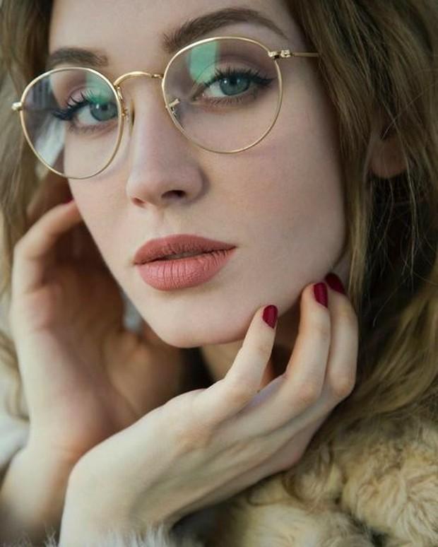 Makeup Kacamata