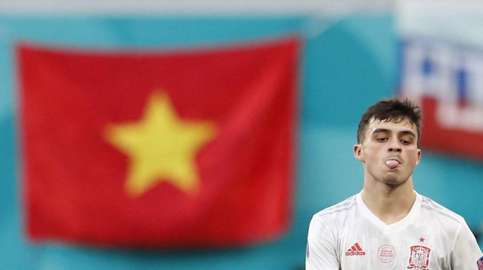 Spains forward Pedri reacts before the UEFA EURO 2020 quarter-final football match between Switzerland and Spain at the Saint Petersburg Stadium in Saint Petersburg on July 2, 2021. (Photo by MAXIM SHEMETOV / POOL / AFP)