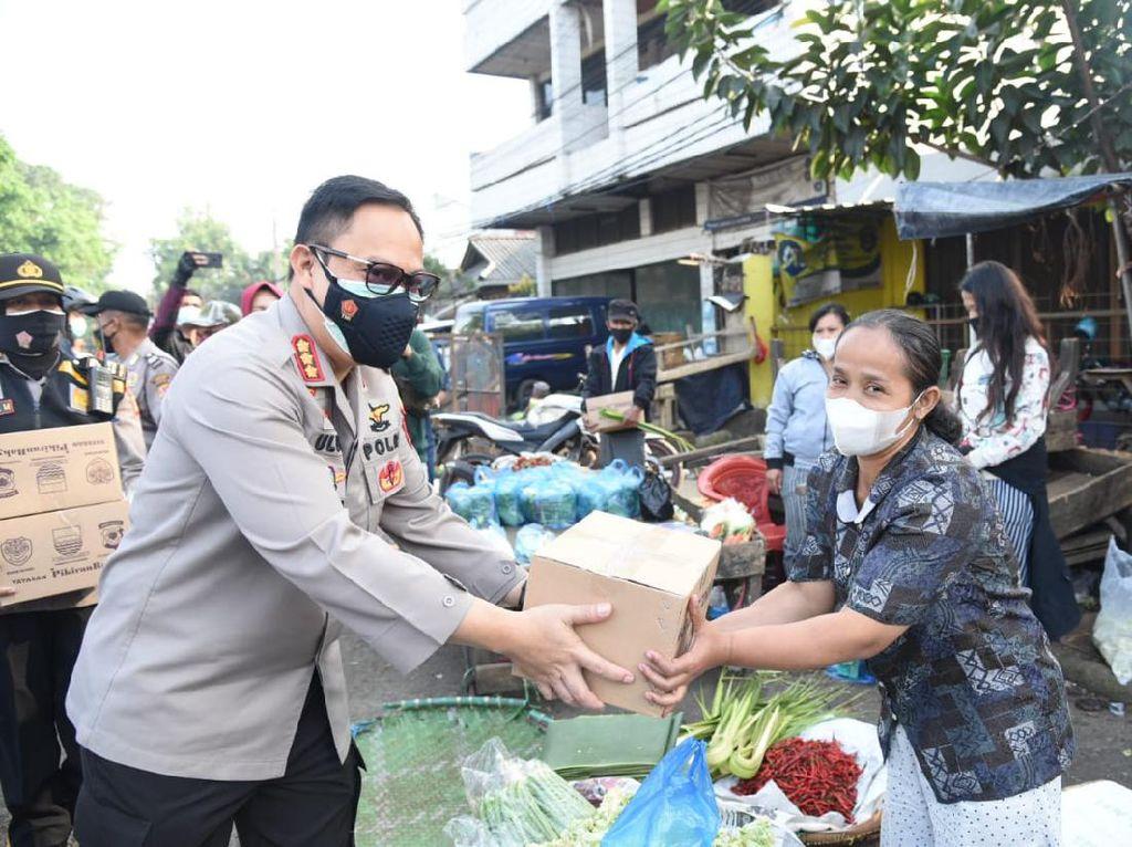 PPKM Level 3-4 Diterapkan, Distribusi Bansos di Bandung Digas