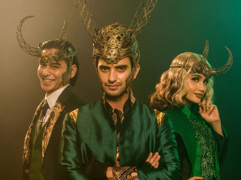 Cinta Laura, Rangga Azof, dan Omar Daniel Berubah Jadi Loki dengan Nuansa Batik!