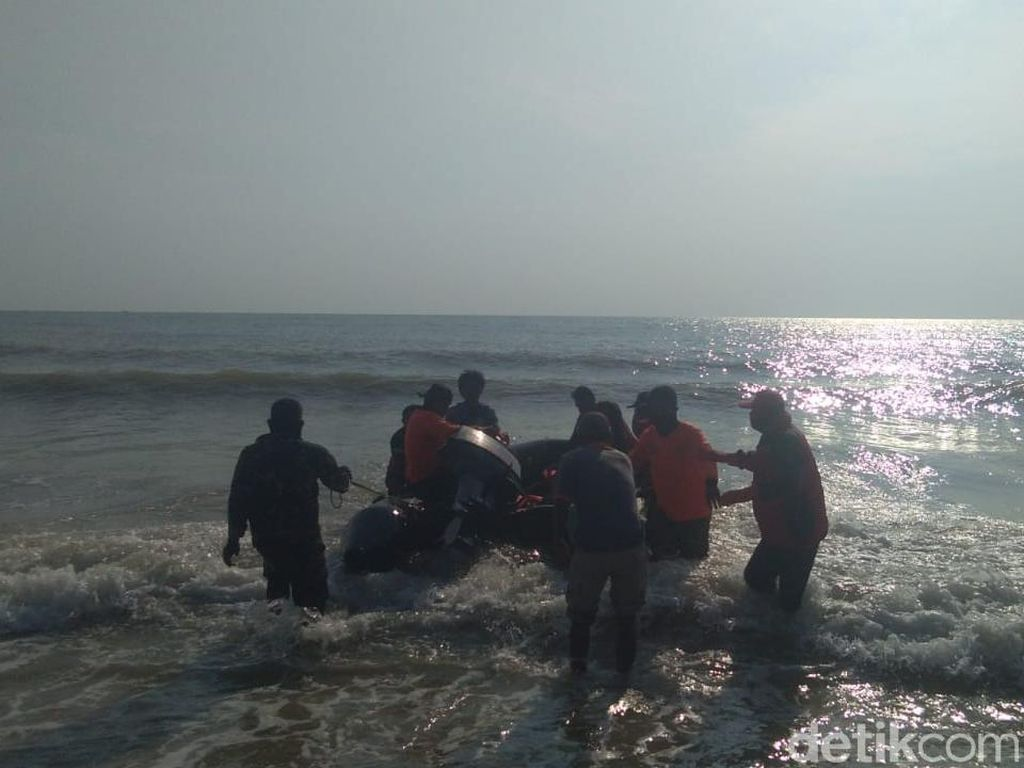 Santri Tuban yang Terseret Ombak Saat Cuci Jeroan Sapi Kurban Ditemukan Tewas