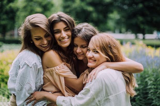 Sentuhan dan pelukan membuat kita terkoneksi dengan orang lain