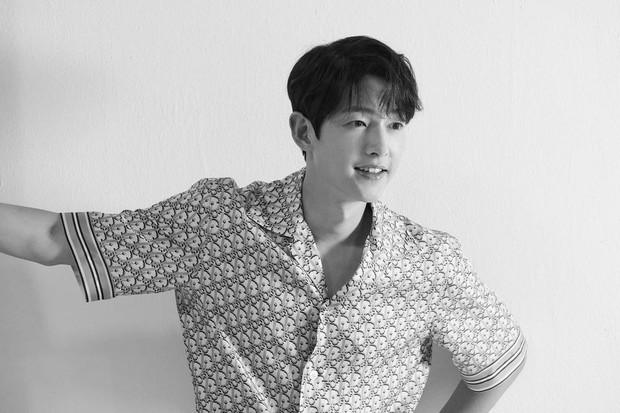 Song Joong Ki akan bintang drama fantasi (foto: instagram.com/hi_songjoongki)