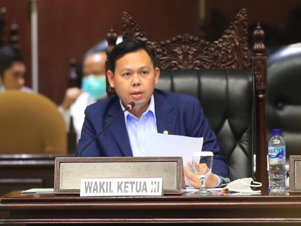 Pemerintah Diminta Libatkan Eks Menkes Siti Fadilah Tangani Pandemi