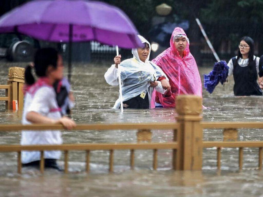 Banjir Bandang China Akibat Hujan Terbesar dalam 1.000 Tahun