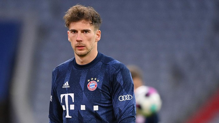 MUNICH, GERMANY - MARCH 06: Leon Goretzka of Bayern Muenchen looks on prior to the Bundesliga match between FC Bayern Muenchen and Borussia Dortmund at Allianz Arena on March 06, 2021 in Munich, Germany. (Photo by Sebastian Widmann/Getty Images)
