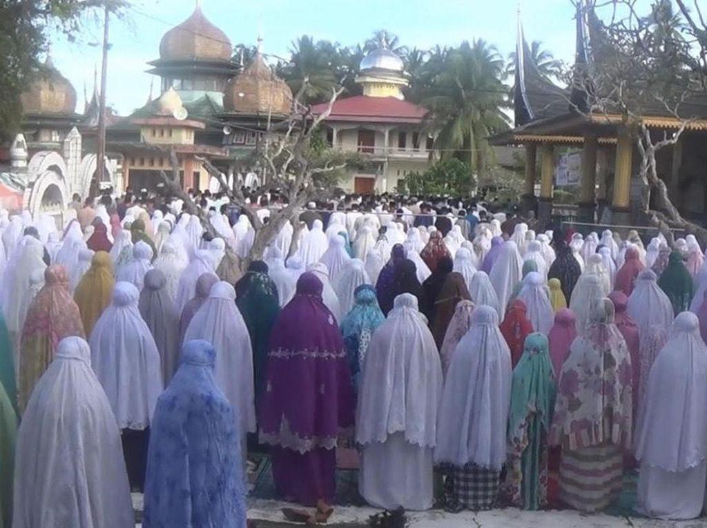 Jemaah Sattariyah di Sumbar Baru Gelar Salat Idul Adha Hari Ini