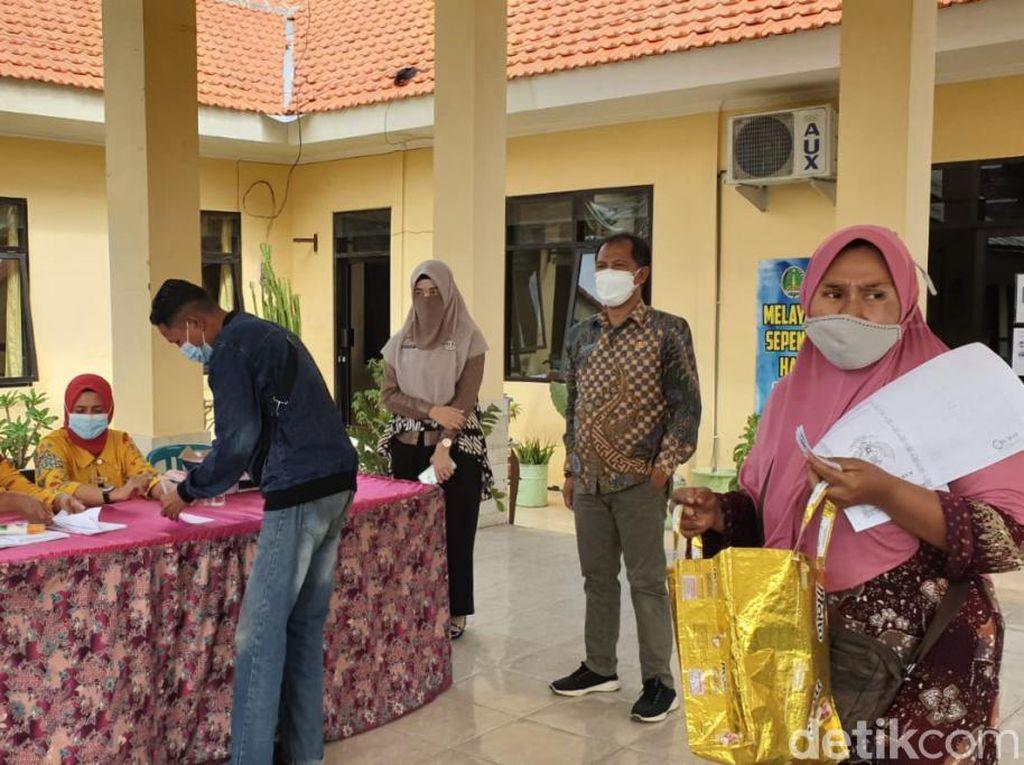 3.163 Pemilik Warung dan PKL di Kota Pasuruan Terima Bantuan Uang Tunai