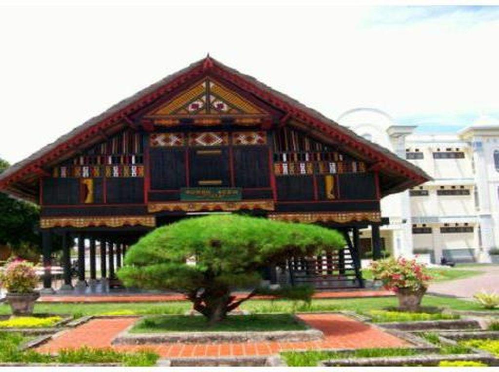 6 Fakta Unik Rumah Adat Aceh, Ternyata Tidak Pakai Paku Lho!