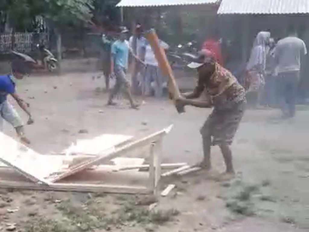Polisi Mulai Selidiki Perebutan Jenazah Pasien COVID-19 di Situbondo