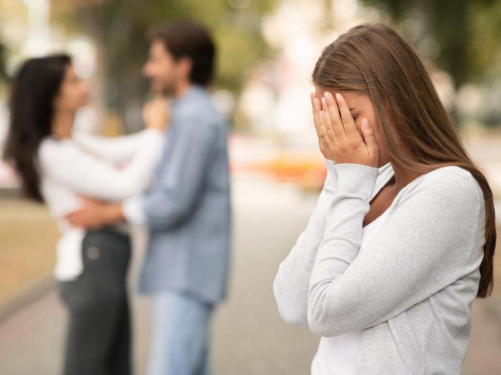 Tangkap Basah Suami yang Asik Berselingkuh, Wanita Ini Malah Digugat Pelakor