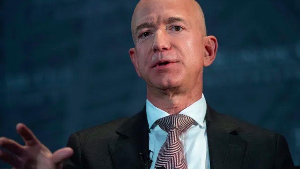 Transformasi Jeff Bezos yang Dituding Operasi Plastik