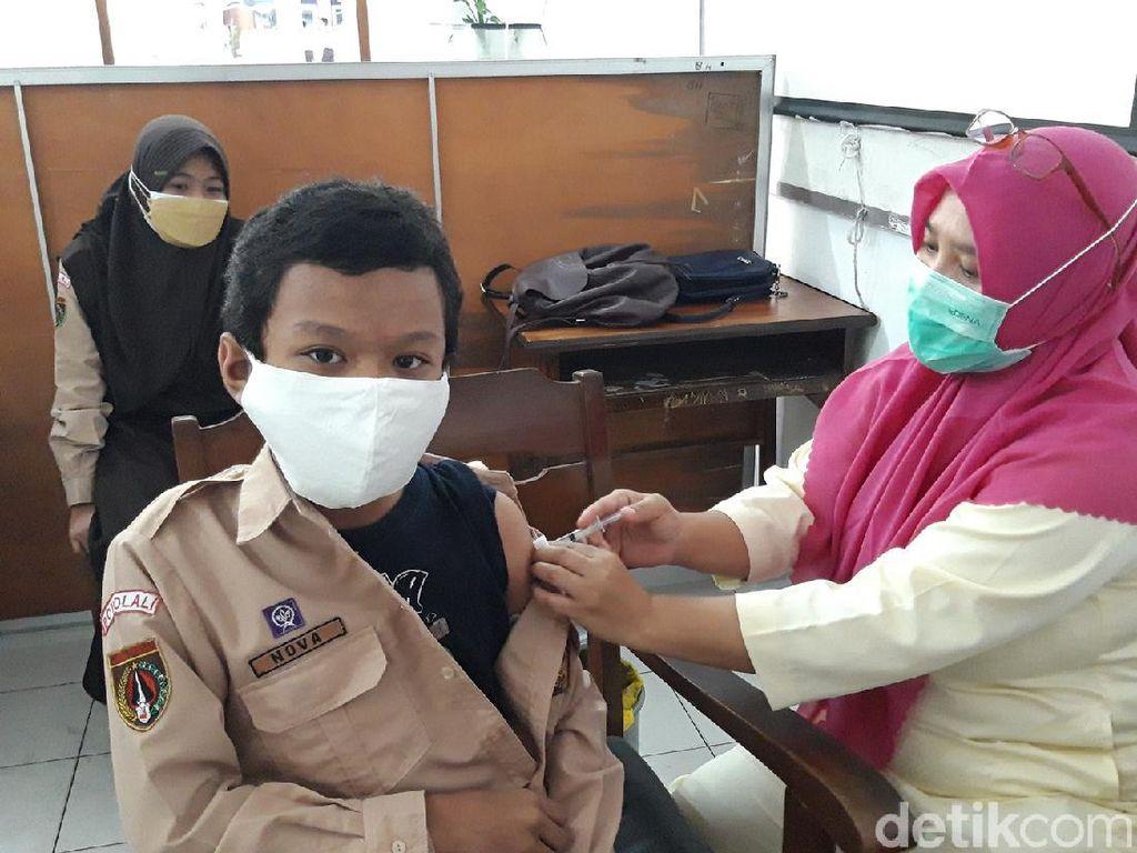 Pakar UGM Jelaskan Pentingnya Vaksin COVID-19 bagi Anak dan Remaja