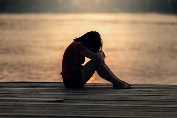 Seorang perempuan yang sedih