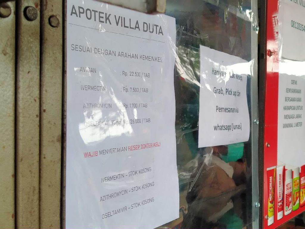 Catat, Apotek yang Didatangi Jokowi Tak Layani Obat COVID-19 Tanpa Resep!