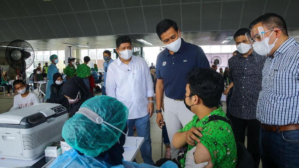 BPJS Ketenagakerjaan Bantu Percepatan Vaksinasi COVID-19