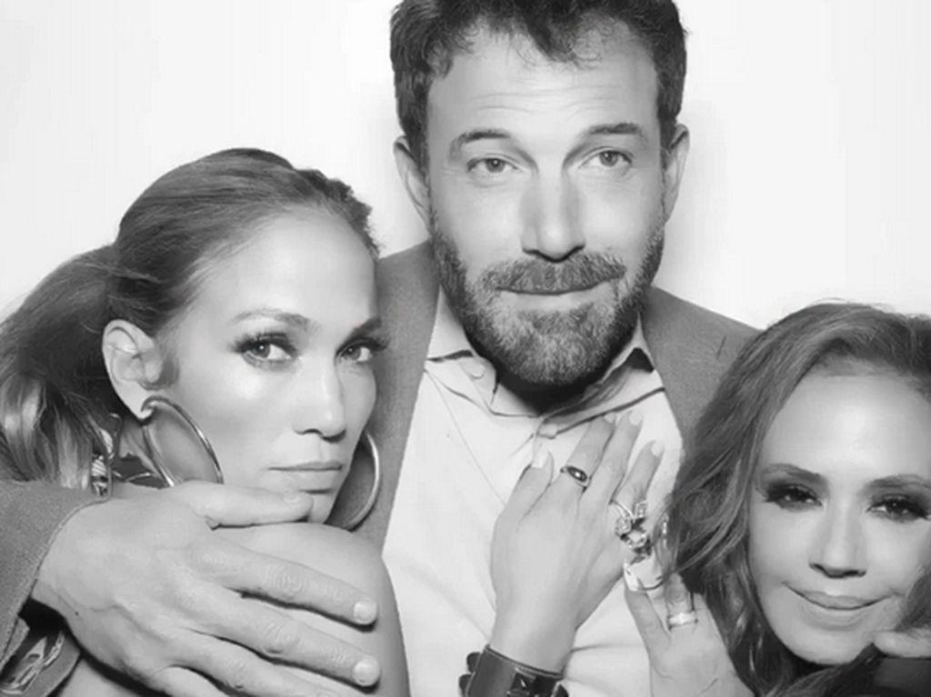 Jennifer Lopez Pakai Lagi Gelang yang Diberikan Ben Affleck 19 Tahun Lalu