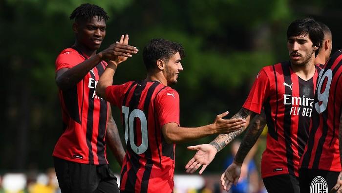 AC Milan kalahkan Modena 5-0