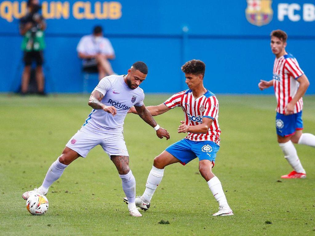 Laga Uji Coba: Depay Cetak Gol, Barcelona Kalahkan Girona 3-1